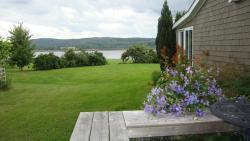 The Blue Heron Tourist Suite & Gardens, 5092 Granville Road, B0S 1K0, Granville Ferry