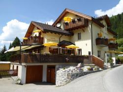 Hotel Ladina, Bahnhofstrasse 3, 7482, Bergün