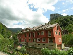 Apartamentos Puente La Molina, Cabrales, s/n, 33555, Carreña