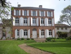 Chambres d'Hotes Au Château, 1 Boulevard des Fossés de Raoul, 82210, Saint-Nicolas-de-la-Grave