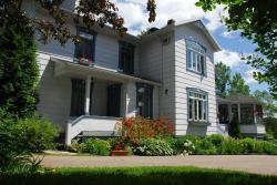 Auberge la maison sous les pins, 352 rue Felix Antoine Savard, G0A 3Y0, Saint-Joseph-de-la-Rive