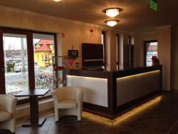 Hotel Rózsa Csárda, M1 171km exit, 9222 Hegyeshalom