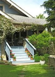 Orchard House Bed and Breakfast, 9646 Sixth Street, V3L 2W2, Sidney