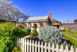 Rossmore Cottage, 12 Bald Hills Road, 3363, Creswick