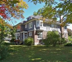 The Captain's House heritage bed & breakfast, 423 Hugel Avenue, L4R 1V2, Midland