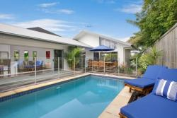 The Boat House - Luxury Holiday House, 49 Harbour Drive, 4879, Yorkeys Knob