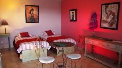 Hotel le Relais du Luberon, 360 quai des entreprises, 84660, Coustellet