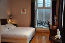 Inter-Hotel La Reine Jeanne, 44 Rue Bourg-Vieux, 64300, Orthez