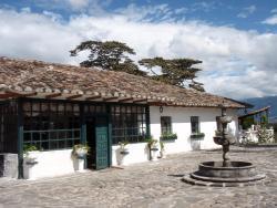 Hacienda La Banda Occidental, Via Chachimbiro frente a Iglesia de Chiriacu, 100655, Urcuquí