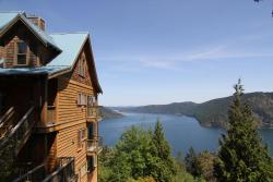 Moon Water Lodge, 265 Trans Canada Highway, V0R 2L0, Malahat