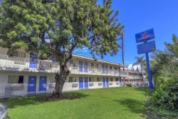 Motel 6 Chino - Los Angeles Area, 12266 Central Avenue, 91710, Chino