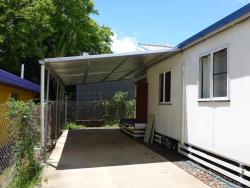 Kenny's Cabin, 49A Capella Street, 4721, Clermont