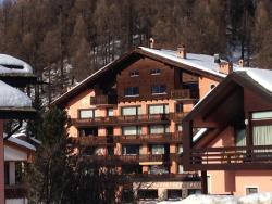 Apartments Chesa Guardaval, Via Sturetscha 7, 7513, Surlej