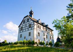 Schloss-gut-Hotel Jößnitz, Schlossstr. 2, 08547, Plauen