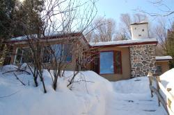 Snow Chalet Marie-Rose, 51 Chemin Marie-Rose, J0T 2P0, Val-des-Lacs
