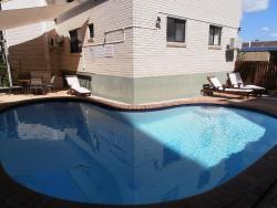 Beachside Court Holiday Apartments, 33A Burgess Street, 4551, 卡伦德拉