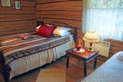 Guesthouse Carl Schmidt, Kesk 4, 48105, Põltsamaa