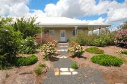Spring Creek Cottage B&B, 692 Spring Creek Road, Cumbandry, 2852, Gulgong