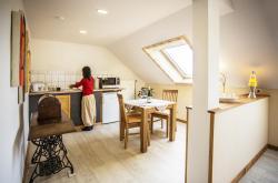 Baan Arun Apartment - Superior, Hauptstrasse 34, 75196, Remchingen