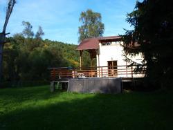 Chata u řeky, U studánky, 257 22, Zlenice