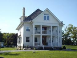 A La Gallarie, 14902 Niagara River Parkway RR#1, L0S 1J0, Queenston