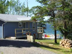 Waterfront Cottage Bras d'Or Lake, 2969 West Bay Highway, B0E 3K0, West Bay