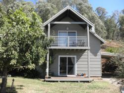 Captain Moonlight Cottage, 47 Ranch Road, 3698, Mount Beauty