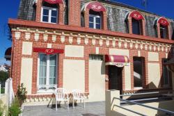 Hotel Du Parc, 33 Avenue Du Général Leclerc, 14390, Cabourg