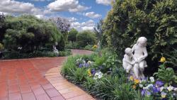 Tranquil Gardens Bairnsdale, 22 Calvert Street, 3875, 拜恩斯代尔