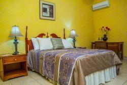 Hotel y Restaurante la Casona, Catedral San Juan 1 1/2 cuadra al norte, contiguo al BAC jinotega,, Jinotega