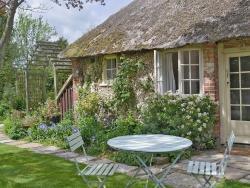 Martins Cottage,  RH20, Bury