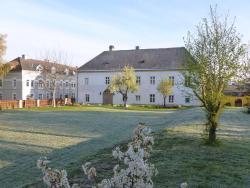 Hohe Schule Top 2,  3382, Loosdorf