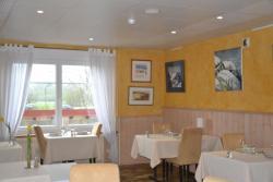 Hotel Du Pont, 4 Le Pont de la Roche, 25570, La Grand'Combe-Châteleu