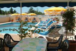 Hotel Mucrina, 14 Rue des Tilleuls, 34450, Vias