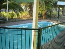 Banjos Overnight And Holiday Units, 78 Manuka st Winton QLD AUS, 4735, Winton