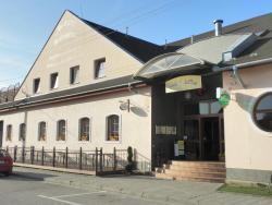 Hotel Le Café, Hybešova 981, 69123, Pohořelice