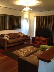 Kute Kosy and Comfortable, 275 Kooyong Road, Kewdale, 6105, Perth