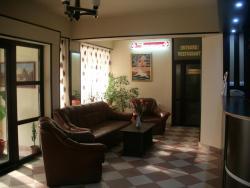 Hotel Central, Locotenent Pantea Ion 3-5,  135300, Moreni