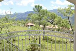 Hotel Villa Maria, Llano del Muerto Km 4, Cantón Casas Blancas el Bailadero, Municipio de Perquin, 01101, Llano del Muerto