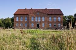Apartment im Kranich Hotel, Dorfplatz 2, 18317, Hessenburg