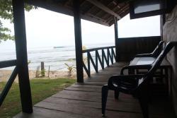 Utopia Surf Camp, Jl. Pantai Wisata Tanjung Setia, Kec. Pesisir Selatan, Kab. Pesisir Barat, 34875, Biha