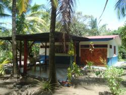 Jolly's Villa Kunterbunt, Playa Bandera, , 06300, Parrita