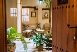 Casa de Gaitán, Plaza de los Carmelitas Descalzos 4, 45002, Toledo