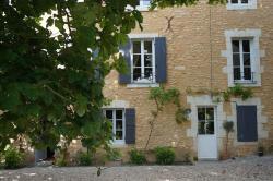 Le Prieuré, 2 place Lucien Boré, 49430, Lézigné
