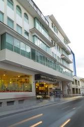Hotel Libertador, Colon 14-30 entre Bolivar y Sucre, 110150, Loja