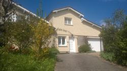 Maison d'Hôtes L'Escale Du Loup Blanc, Le Bourg , 42140, Maringes