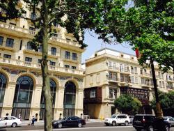 Azneft Apartment, Neftchilar Avenue 5, AZ1000, Baku
