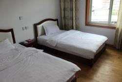 Batang Hostel, No.26 Minzu Street,Batang County,Ganzi Tibetan Autonomous Prefecture, 627650, Batang