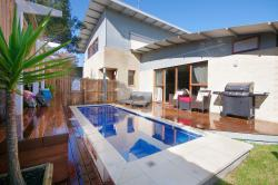 Townhouse with Pool, Sweetman Pde Ocean Grove, 3226, Ocean Grove