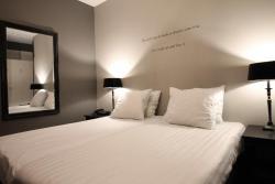 Hotel De Gouden Leeuw, Korte Kerkstraat 46, 5664 HH, Geldrop